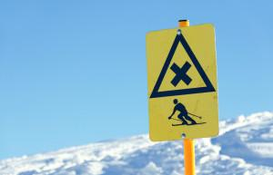 colorado-ski-avalanche-dangers